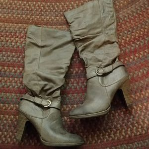 "Decree Never Worn! zippered, 3 3/4"" heeled boots"